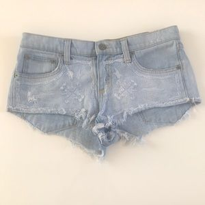 CARMAR JEAN EMBROIDERED CUT OFF SHORTS SZ 26